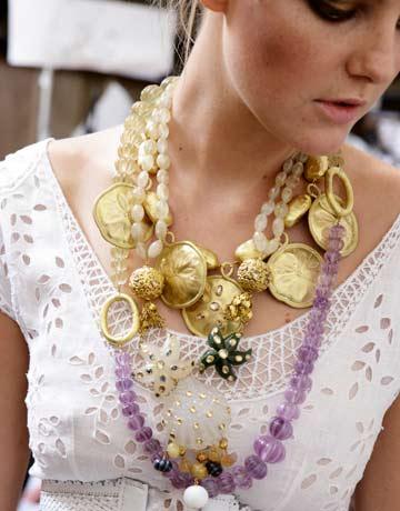 golden-Funky-Jewelry-styles-wear-by-models